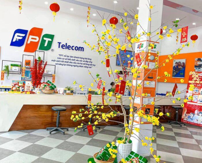 Tổng đài FPT Quận Tân Phú trực full cà ngày, kể cả ngày lễ, ngày tết.